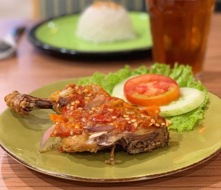 Ayam Geprek - IGstreetfoodfestival.mag